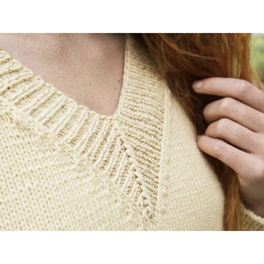 Lemonia - en klassisk sweater med V-hals